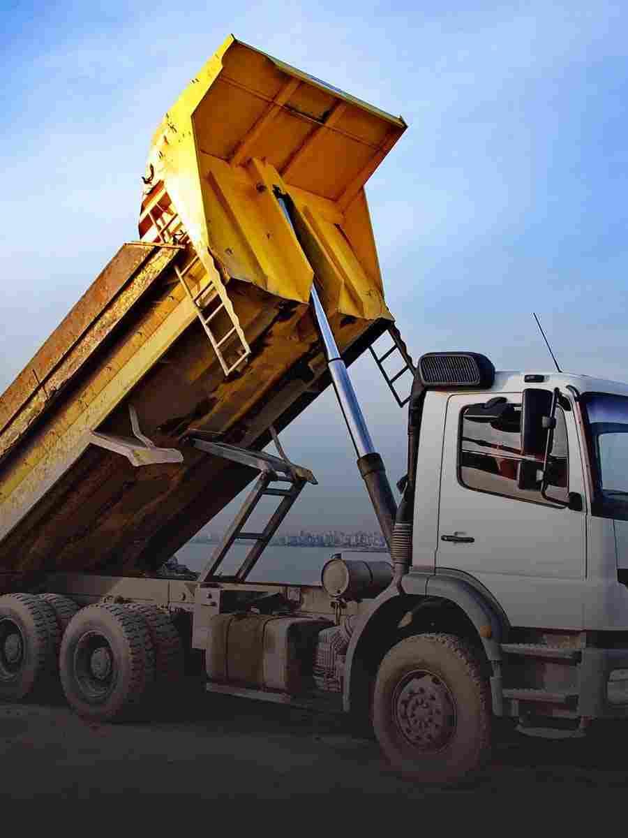 http://www.tonymrees.co.uk/wp-content/uploads/2017/08/cell_trucks_01.jpg