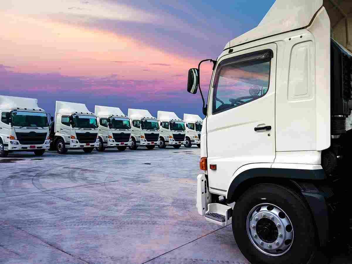 http://www.tonymrees.co.uk/wp-content/uploads/2017/08/inner_big_trucks_02.jpg