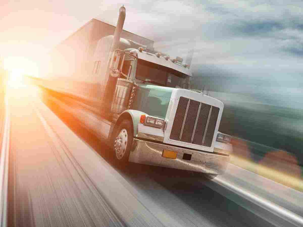 http://www.tonymrees.co.uk/wp-content/uploads/2017/08/inner_big_trucks_08.jpg